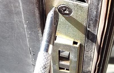 車庫のWESTの鍵修理