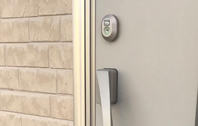 玄関ドアのTOSTEMの鍵交換