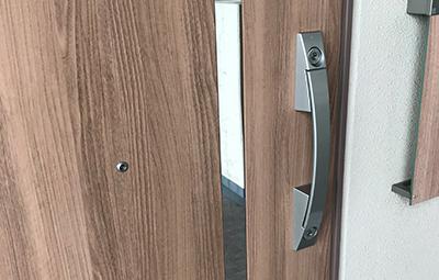 玄関のMIWAの鍵修理