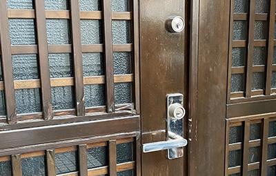 玄関の鍵をGOALのV18に鍵交換