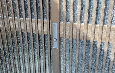 玄関引き戸のWESTの鍵交換