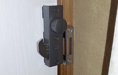 室内扉にWEST430を取り付け