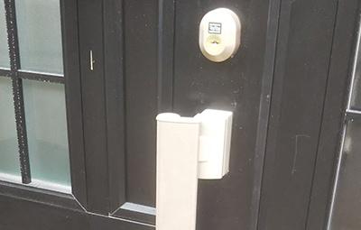 TOSTEMの鍵が付いた玄関の鍵交換