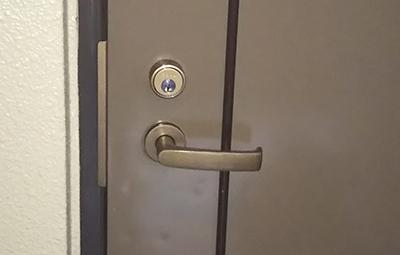玄関ドアのシリンダー錠の鍵交換